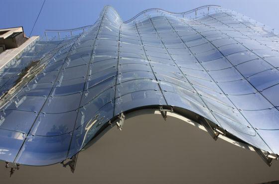 Prva staklena fasada