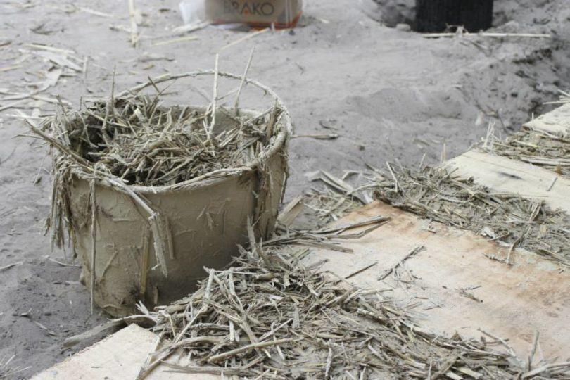 Gradnja kuce od blata i slame
